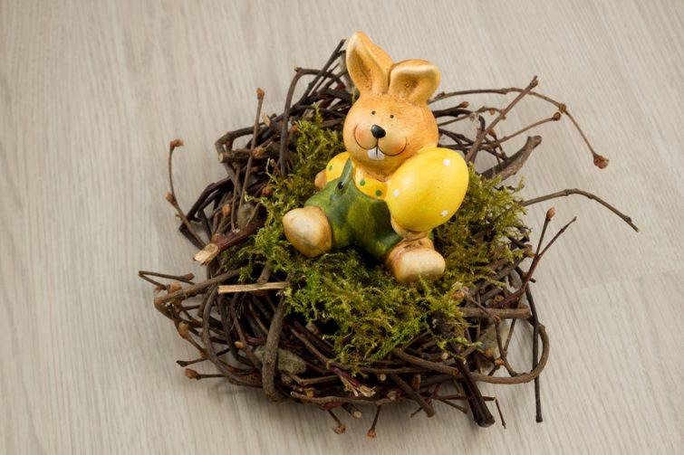 Weidenrnest mit Osterhase