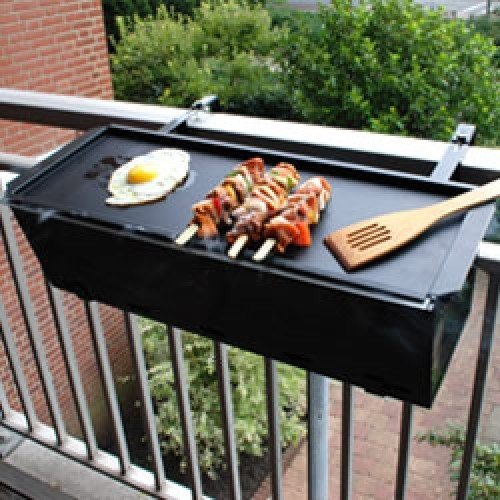 balkon grill barbecue. Black Bedroom Furniture Sets. Home Design Ideas